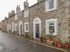 6 Flint Cottages, Birchington photos Exterior