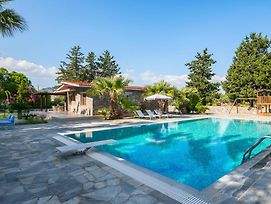 Kolympia Villa Sleeps 6 With Pool Air Con And Wifi photos Exterior
