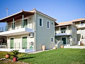 Aselinos Villa Sleeps 6 With Pool Air Con And Wifi photos Exterior