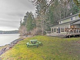 Puget Sound Hideaway On Private Cove W/ 10+ Acres! photos Exterior