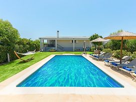 Gennadi Villa Sleeps 8 With Pool And Air Con photos Exterior