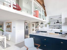 Stylish One-Bedroom Loft - Parking Included photos Exterior