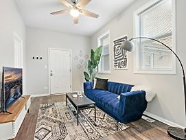 Brand New! Classy 2Br In Logan Square photos Exterior