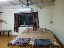 Nitish Home Stay Ac Room photos Exterior