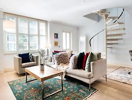 Stunning & Spacious 2Bd- Middle Of Notting Hill ! photos Exterior