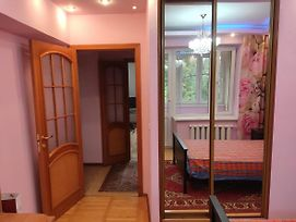 Deluxe Two Bedroom Appartment, Close To The City Center photos Exterior