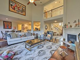 New! Luxe Pearland Home Near Houston Attractions! photos Exterior
