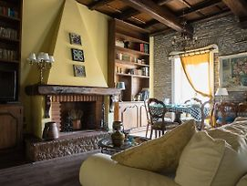 Luxury Spanish Steps Two Bedroom Apartment With View photos Exterior