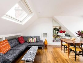 Beautiful 2-Bed W/ Roof Terrace In Holland Park photos Exterior