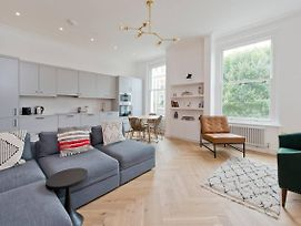 Modern, Chic 1-Bed In Notting Hill photos Exterior