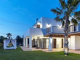 Luxury Private 5 Bedroom Villa - Sleeps 10-12 Guests - Distant Sea View photos Exterior