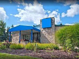 Travelodge By Wyndham Lansing photos Exterior