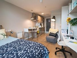 Centrally Located And Modern Studio In Newcastle photos Exterior