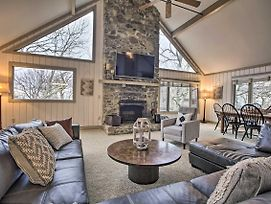 Mountaintop Wintergreen Resort Home W/ Views! photos Exterior