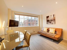 Two Bedroom Apartment In Chelsea With Sauna photos Exterior
