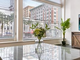 1 And 2 Bedroom Luxury Condos Steps Away From French Quarter photos Exterior