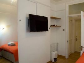 3 Bedroom Flat In Central Location By Oxford Street photos Exterior