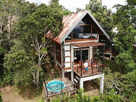 Treehouse Chalets photos Exterior