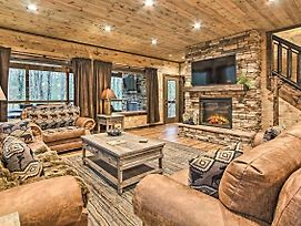 Luxe Cabin Retreat For Groups, 6Mi To Parkway photos Exterior