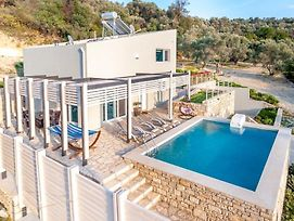 Moly - Luxury Villa With Heated Private Pool photos Exterior