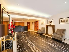 Two Bedroom Apartment In Chelsea With Jacuzzi photos Exterior