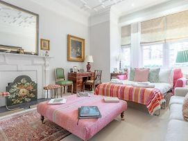 Beautiful 1 Bedroom Victorian Styled Flat In Sloane Square photos Exterior