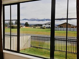 The Hut - Te Anau Holiday Home photos Exterior