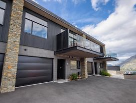 Highland Retreat Queenstown Holiday Home photos Exterior