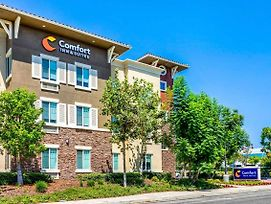 Comfort Inn & Suites Near Ontario Airport photos Exterior