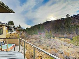 New Listing! Riverfront At River Glen W/ Hot Tub Home photos Exterior