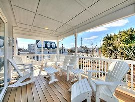 Have Beach Five Bedroom Three Bath Nantucket Style Charm In The Cottages. photos Exterior