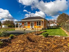 The Lazy Carrot With Spa - Ohakune Holiday Home photos Exterior