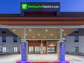 Holiday Inn Express Kearney photos Exterior