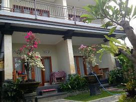 Suryadina Guest House photos Exterior