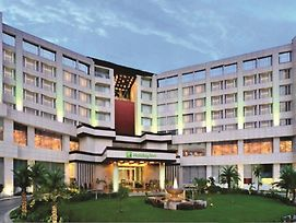 Holiday Inn Chandigarh Panchkula photos Exterior