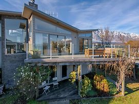 Lake Views On Yewlett - Queenstown Holiday Home photos Exterior