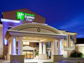 Holiday Inn Express & Suites Brandon photos Exterior
