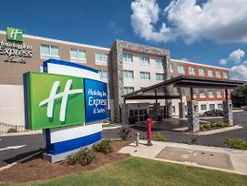 Holiday Inn Express & Suites Commerce photos Exterior
