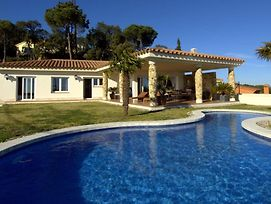 Lloret De Mar Villa Sleeps 10 Pool Wifi photos Exterior