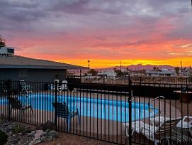 New! Efficient Lake Havasu Apt. With Private Pool! photos Exterior