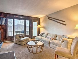 Ski-In/Ski-Out Pico Mtn Townhome W/ Fireplace photos Exterior