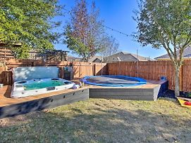 Airy Home With Hot Tub, By Downtown And Wineries! photos Exterior