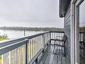 San Jacinto River Home With Private Boat Slip! photos Exterior