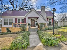 Vibrant Home With Deck And Yard, 2 Mi To Oaklawn Casino photos Exterior