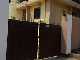 2 Story 2 Bedroom Apartment Accra photos Exterior