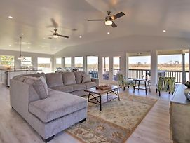 Spacious San Jacinto River Home With Waterfront Deck! photos Exterior