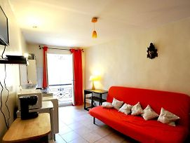 Charming Apt Ideal For Couple With Beautiful View photos Exterior