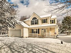 Inviting Colonial Home W/ Patio, Near Skiing! photos Exterior
