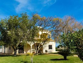 4 Bedrooom Villa With Gated Pool Located Between Olhas Da Agua And Albuferia photos Exterior