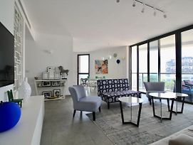 2 Bedrooms Design With Balcony - Florentine - Modern And Beautiful photos Exterior